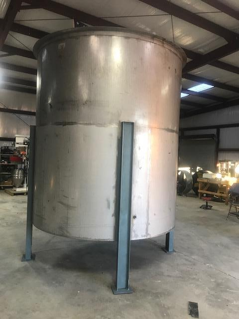 Image 3400 Gallon Open Top Mixing Tank Dish with 3 Inch Bottom Center Drain - Stainless Steel 1475020