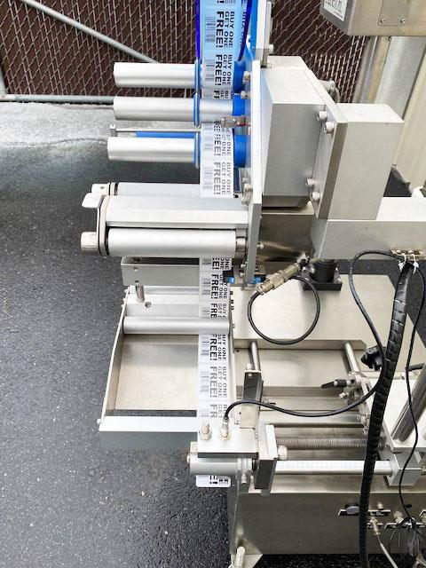 Image LABELON Pressure Sensitive Top Wipe-On Labeler 1478570