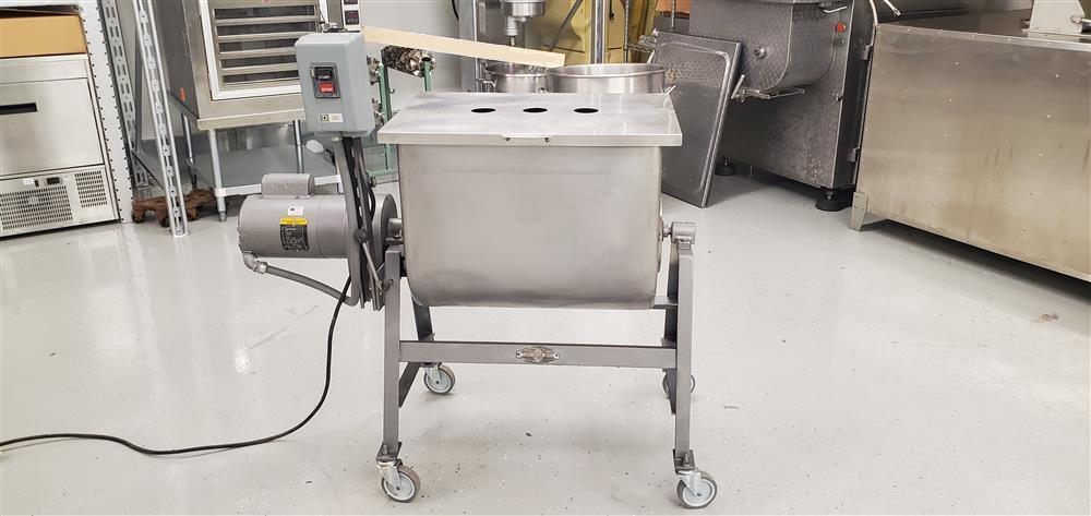 Image LELAND MEAT Sausage Mixer - Stainless Steel  1484116