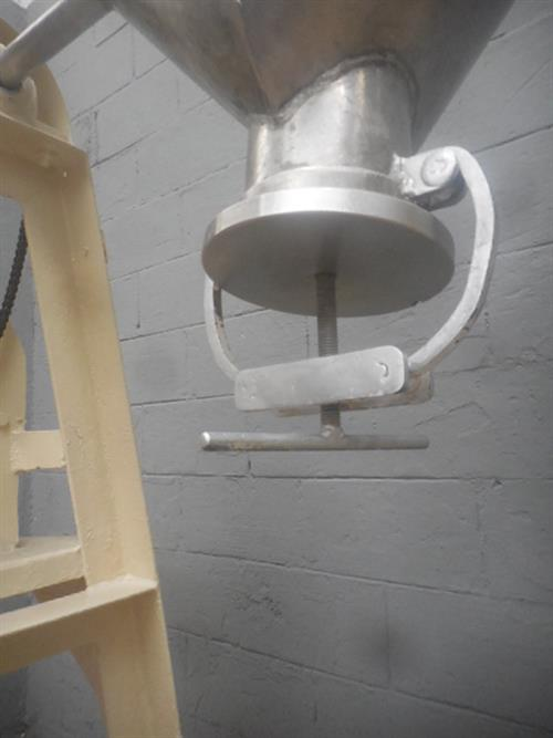 Image 14 Gallon V Powder Mixer 1486225