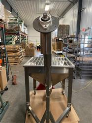 Image IPM SYSTEMS Incline Screw Conveyor - Surge Hopper and Incline Transfer Auger 1490856