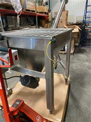 Image IPM SYSTEMS Incline Screw Conveyor - Surge Hopper and Incline Transfer Auger 1490859