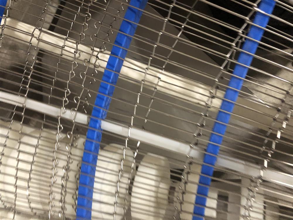 Image 90 Degree Wire Mesh Conveyor 1492363