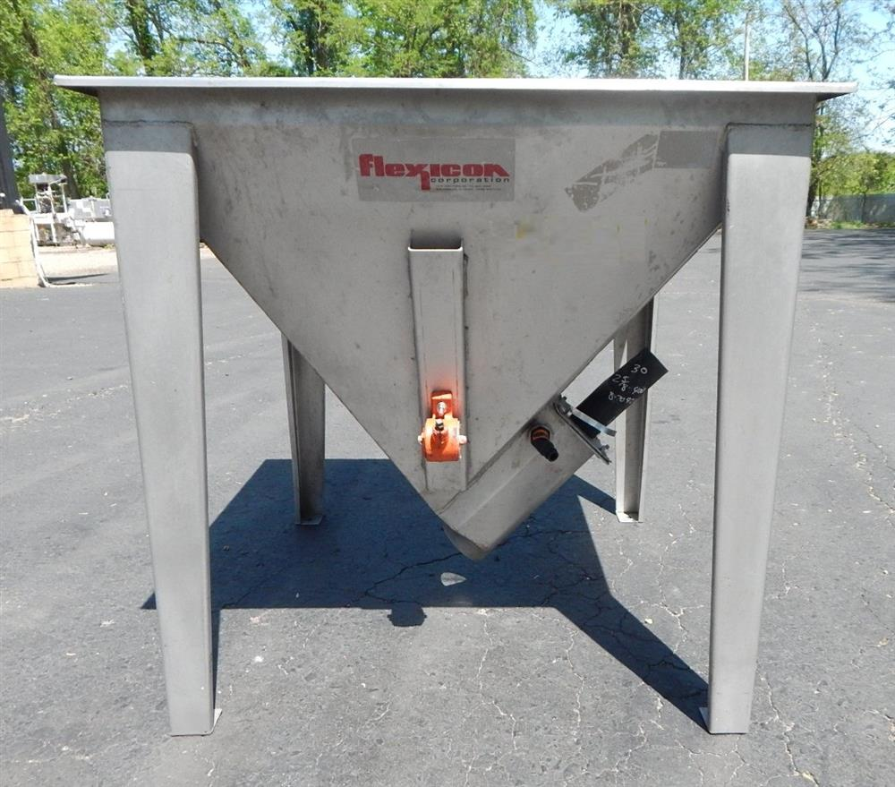 Image FLEXICON Inverted Pyramid Style Hopper 1492554
