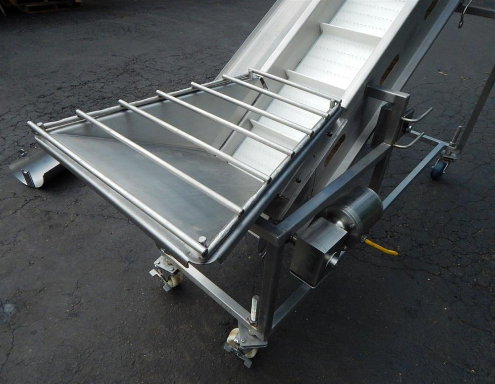 Image Inclined Cleated Conveyor 1492607