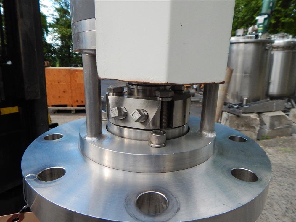 Image TOKUSHU KIKA Homogenizing Mixer - Pharmaceutical Grade 1492621