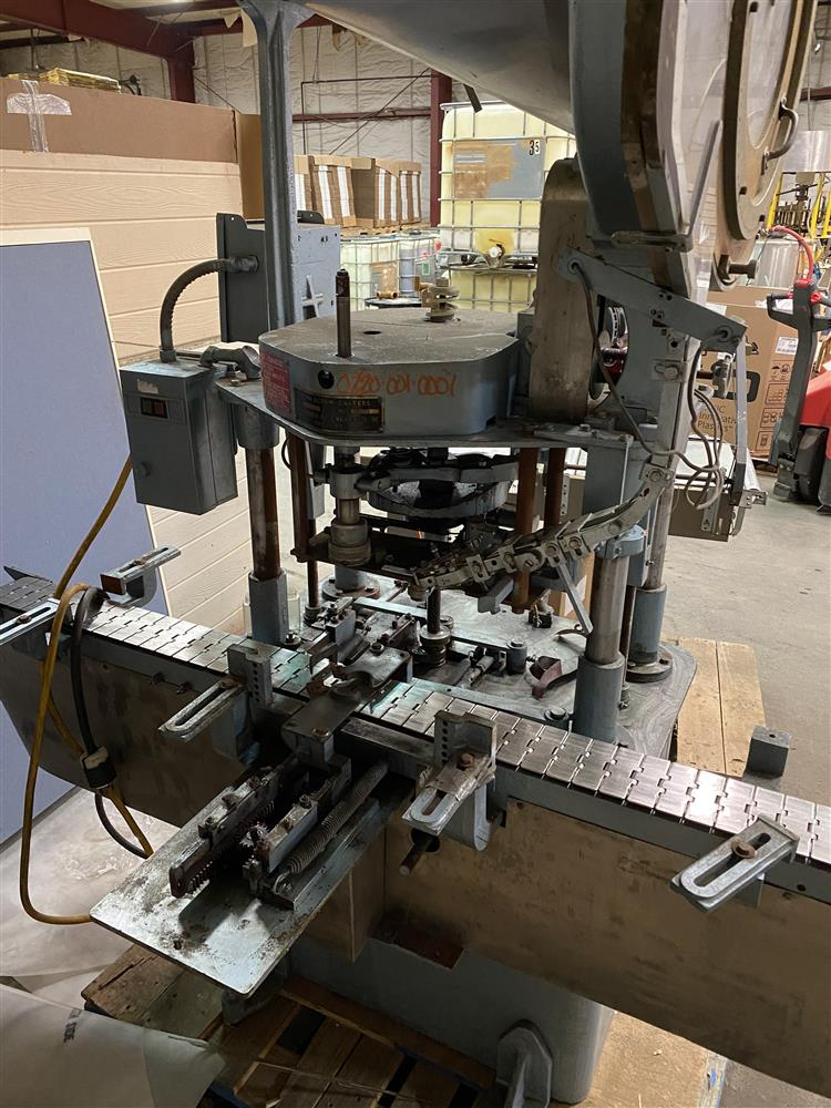 Image RESINA Fully Automatic Chuck Capper Cap Tightening Machine with Feeder 1493017