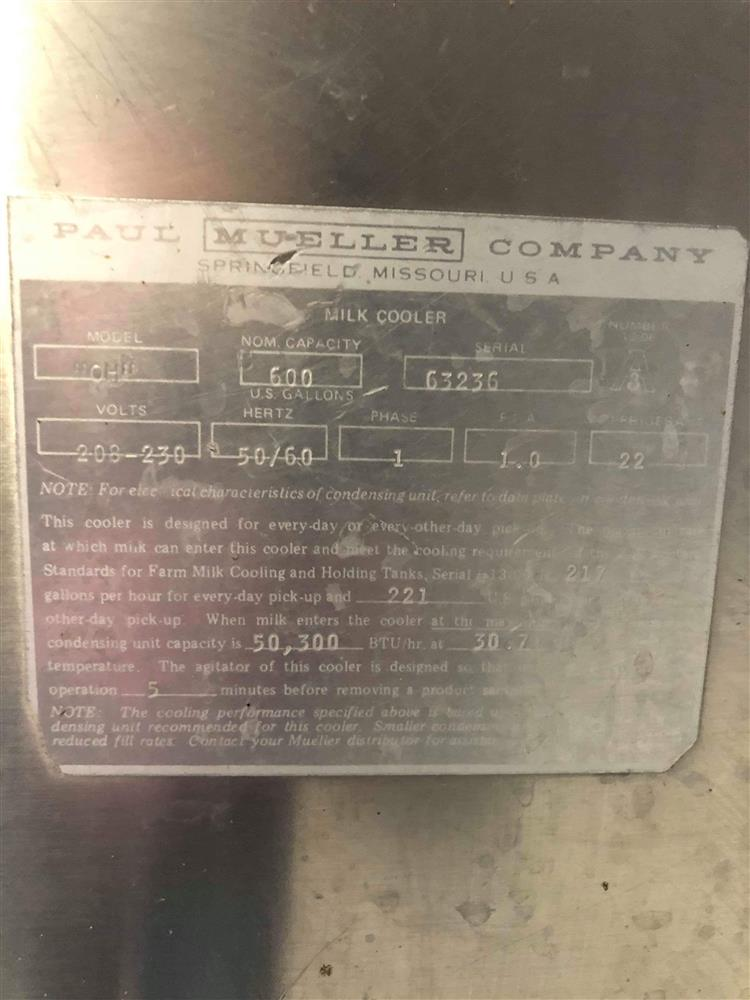 Image 600 Gallon MUELLER Bulk Tank 1495488