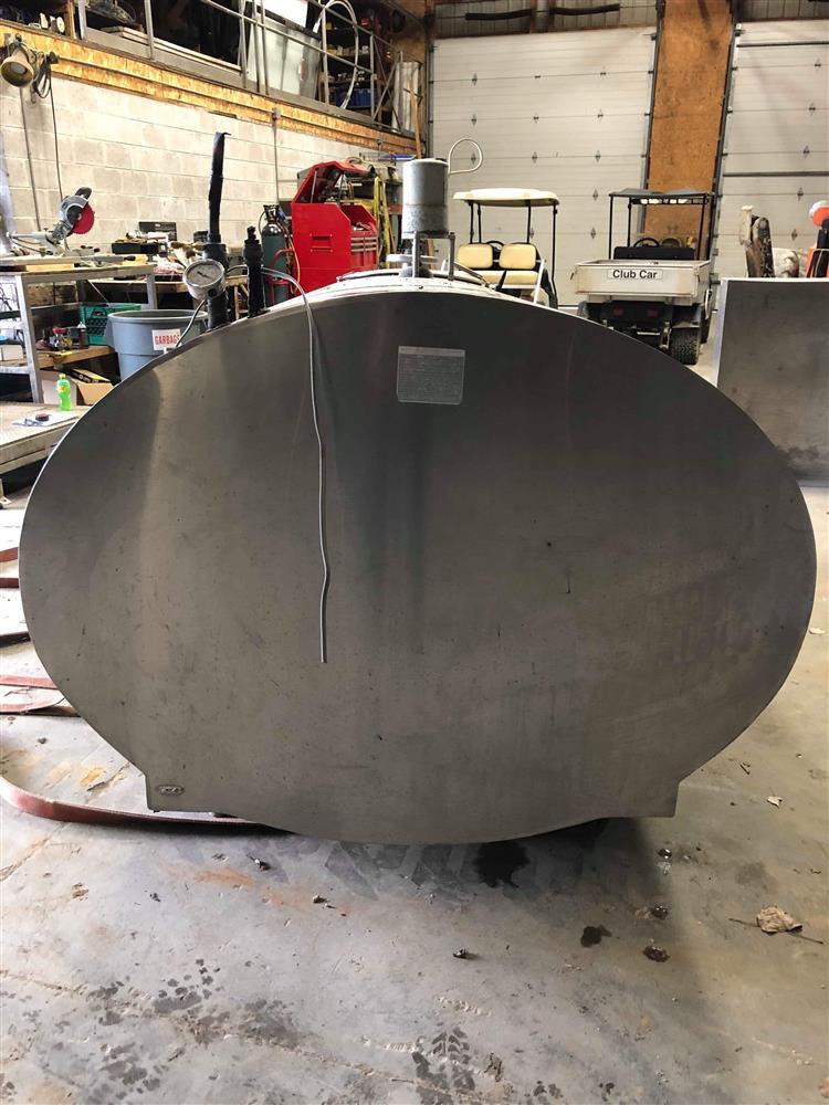 Image 600 Gallon MUELLER Bulk Tank 1495489