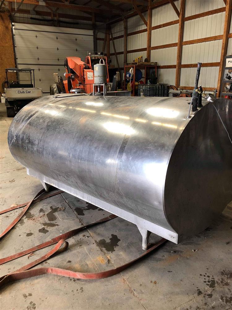 Image 600 Gallon MUELLER Bulk Tank 1495490