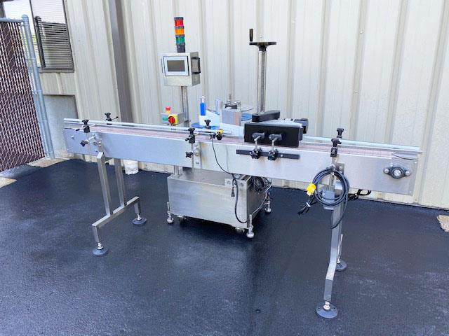 Image LABELON Pressure Sensitive Wipe-On Labeler with Wrap Station and Conveyor 1495611