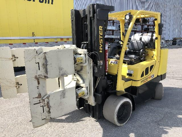 Image HYSTER Forklift with 60in Cascade Roll Clamp 1495642