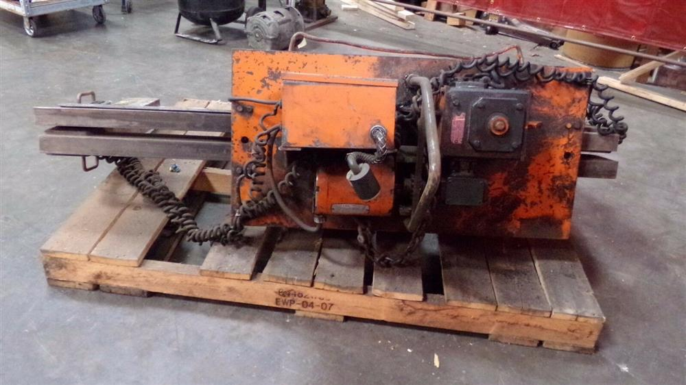 Image BUSHMAN M5066 Motorized Roll Lifter - 4000 Lb. Capacity 1501093
