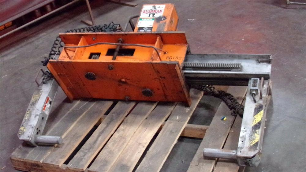Image BUSHMAN M5066 Motorized Roll Lifter - 4000 Lb. Capacity 1501102