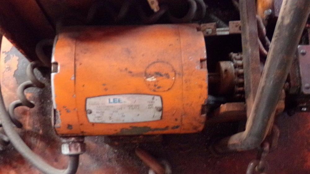 Image BUSHMAN M5066 Motorized Roll Lifter - 4000 Lb. Capacity 1501098