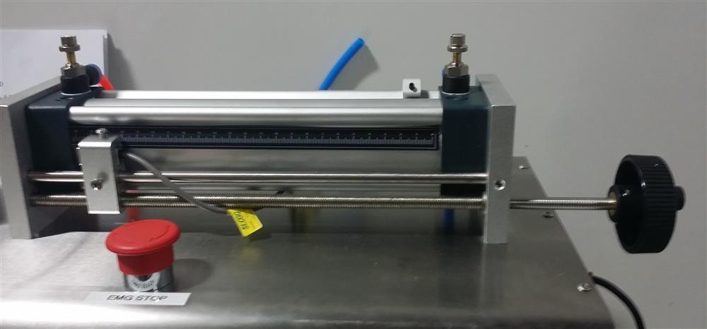 Image Semi-Automatic Pneumatic Piston Liquid or Paste Filling Machine 1501286