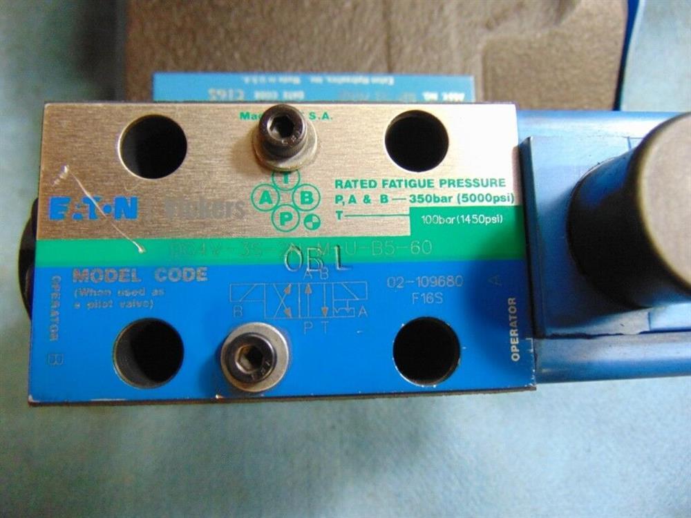 Image VICKERS EATON Hydraulic Control Valve with Pilot Valve 1508602