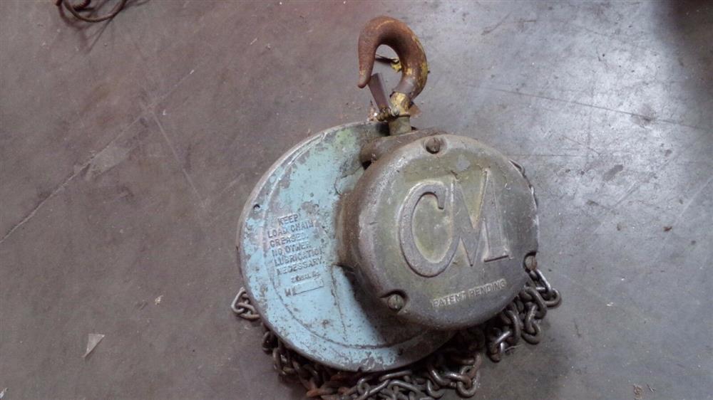 Image 1 Ton COLUMBUS MCKINNON Cyclone Chain Hoist 1519658