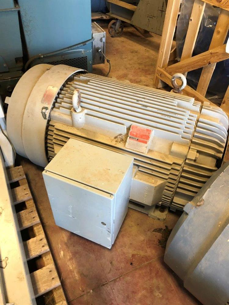 Image 300 HP RELIANCE ELECTRIC Motor - 3600 RPM 460 Volt 449TS TEFC 1519923