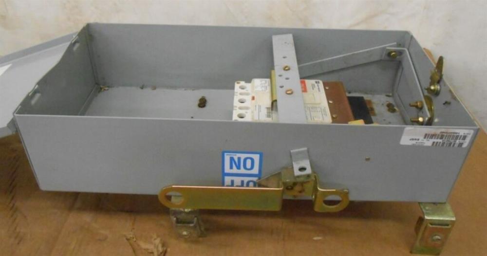 Image EATON CUTLER HAMMER Busway Circuit Breaker Enclosure 1519954