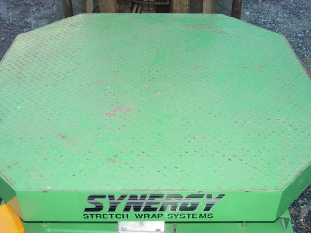 Image HIGHLIGHT INDUSTRIES High Profile Stretch Wrap Turntable Like New Condition 1528969