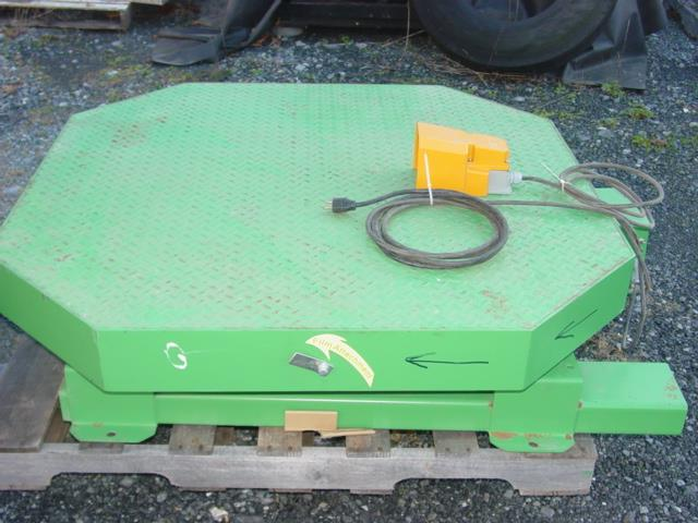 Image HIGHLIGHT INDUSTRIES High Profile Stretch Wrap Turntable Like New Condition 1528971