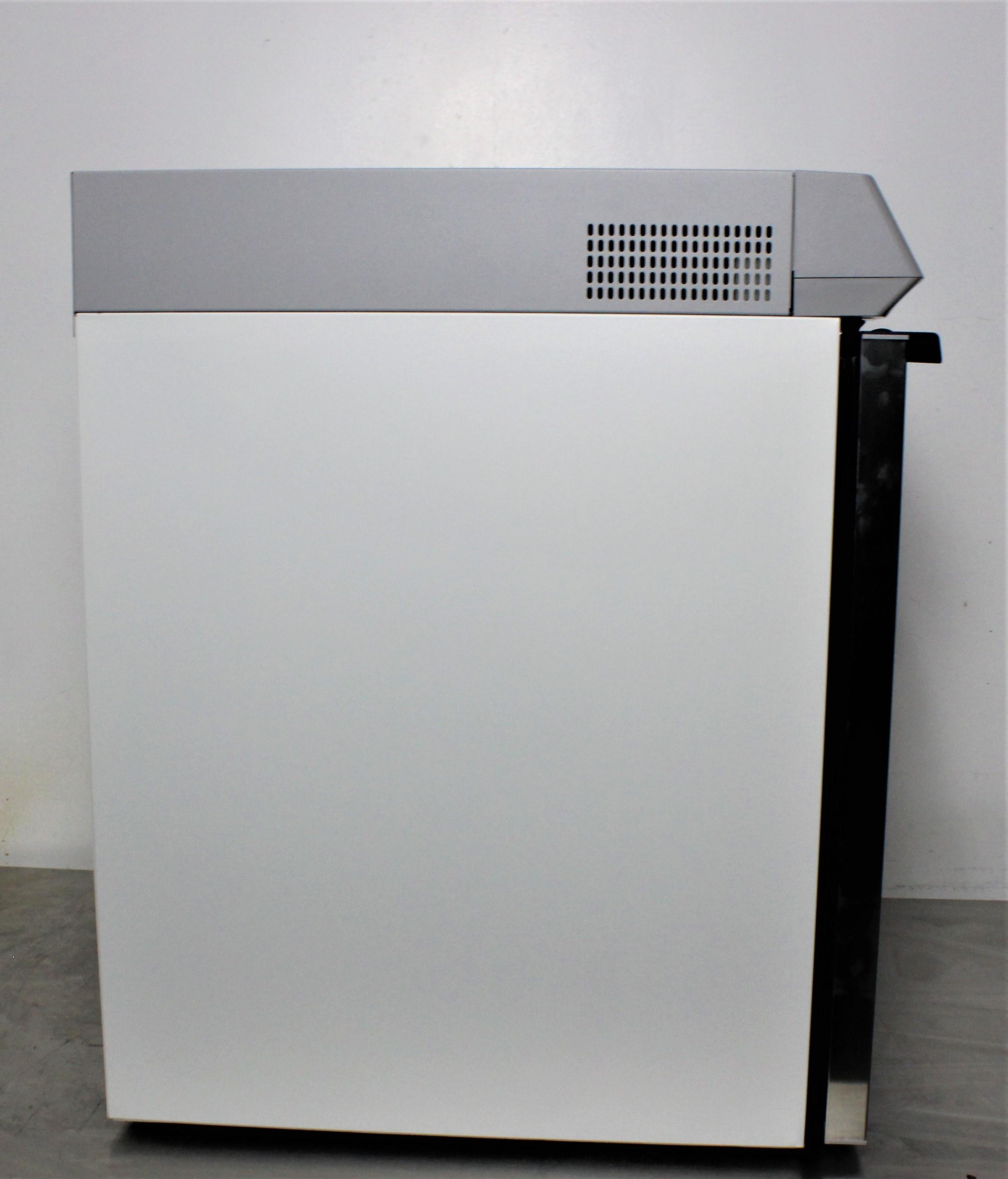 Image THERMO SCIENTIFIC TSX505GA High-Performance Undercounter Refrigerator 1587106