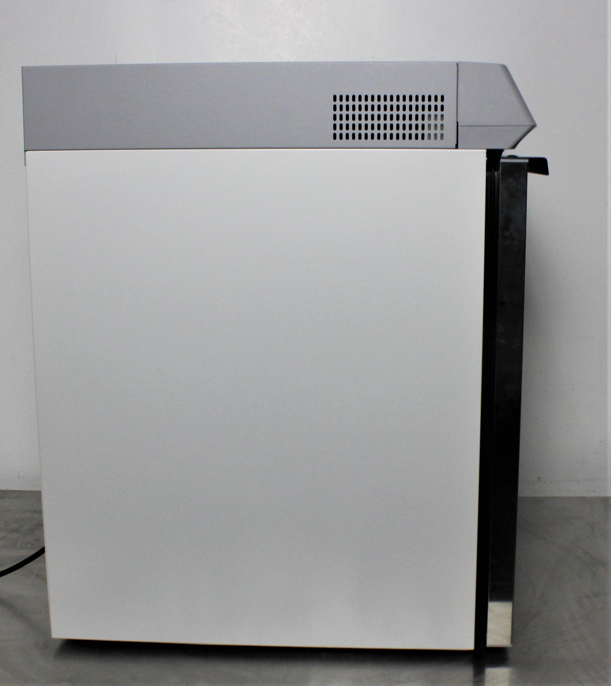 Image THERMO SCIENTIFIC TSX505GA High-Performance Undercounter Refrigerator 1587196