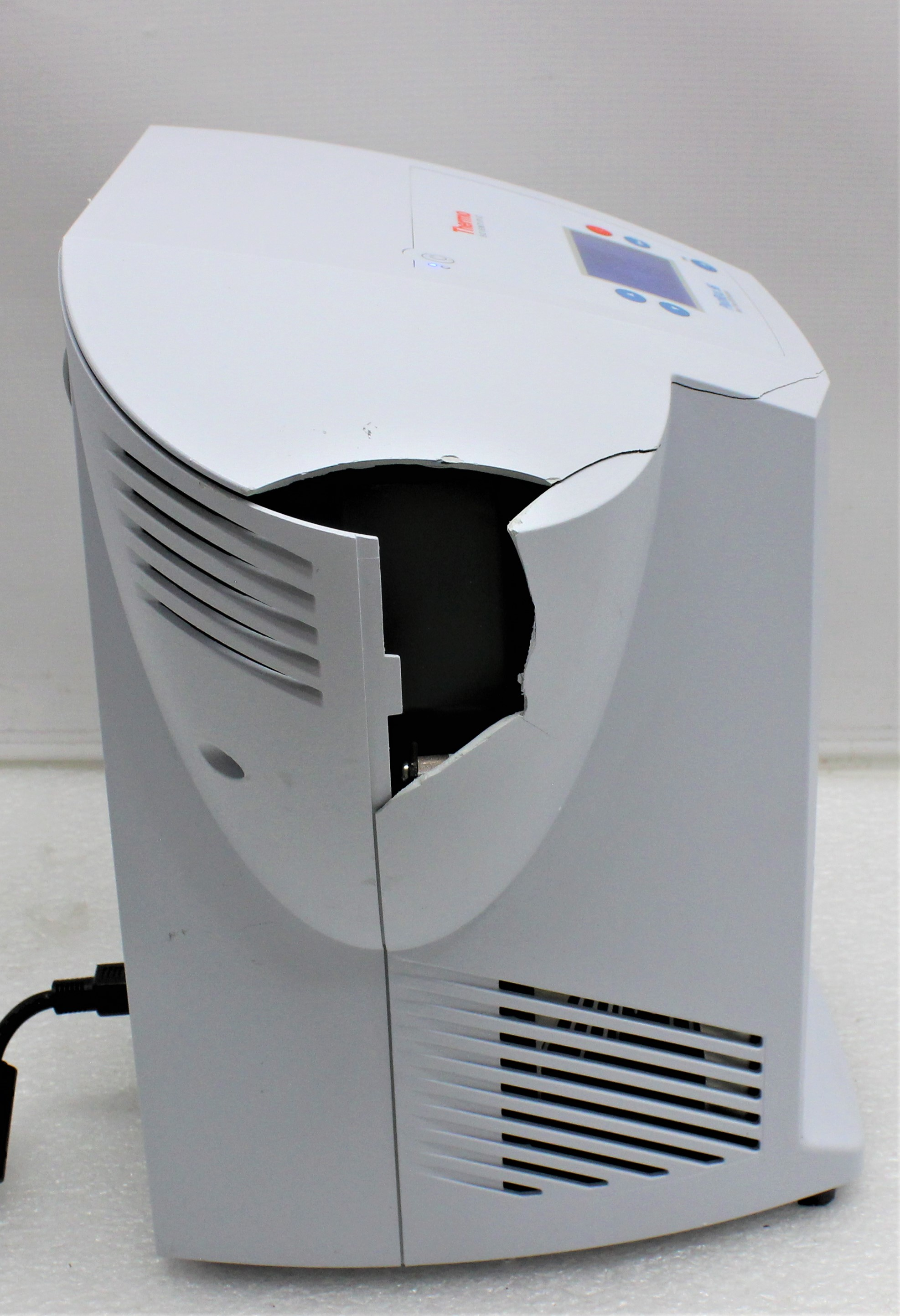 Image THERMO SCIENTIFIC PikoReal 96 Real-Time PCR System 1587222